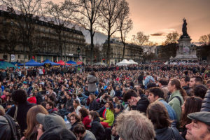 Nuit Debout Paris von Olivier Ortelpa (CC BY 2.0)